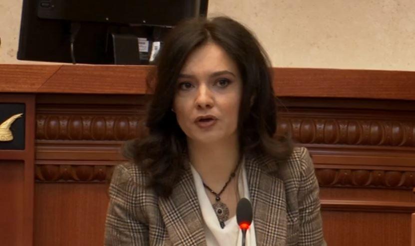 Spiropali: Nuk bëhet Shqipëria me Flamurin, Nardin, Agronin e Monën, por me ne
