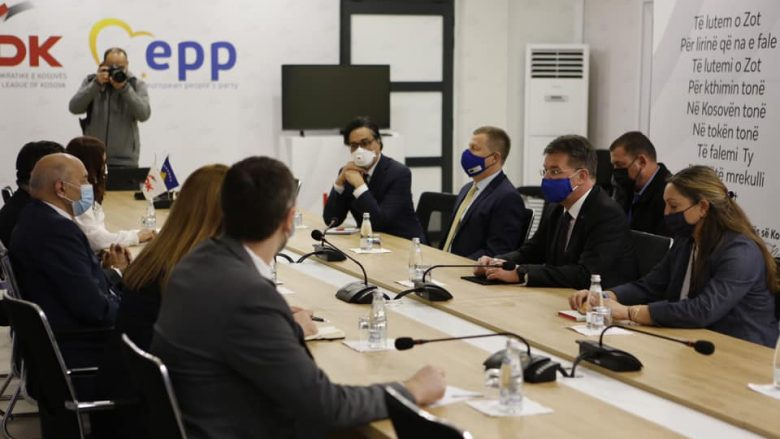 Mustafa në takimin me Lajçak: Integriteti territorial i Kosovës, i panegociueshëm