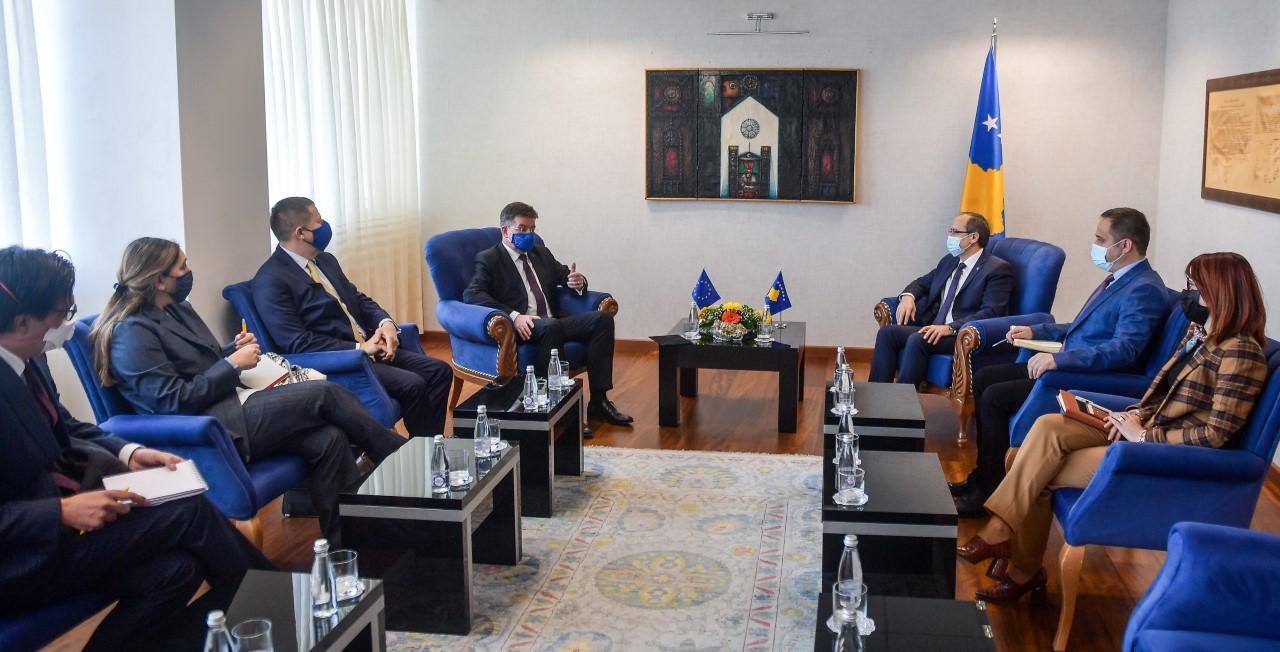 Hoti pas takimit me Lajçak: Dialogu do të vazhdojë mbi tri parime bazë