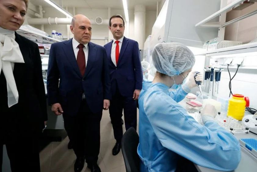 Shkencëtarët rusë: Vaksina EpiVacCorona efektive kundër mutacioneve
