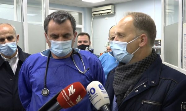 Krasniqi: Shumë shpejt spitalet në Kosovë nuk do ta përballojnë fluksin e pacientëve