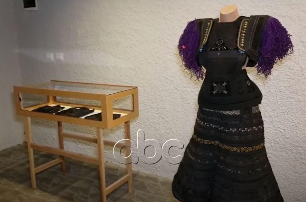Xhubleta në muzeun historik, veshjet e grave shqiptare ekspozohen në Shkodër
