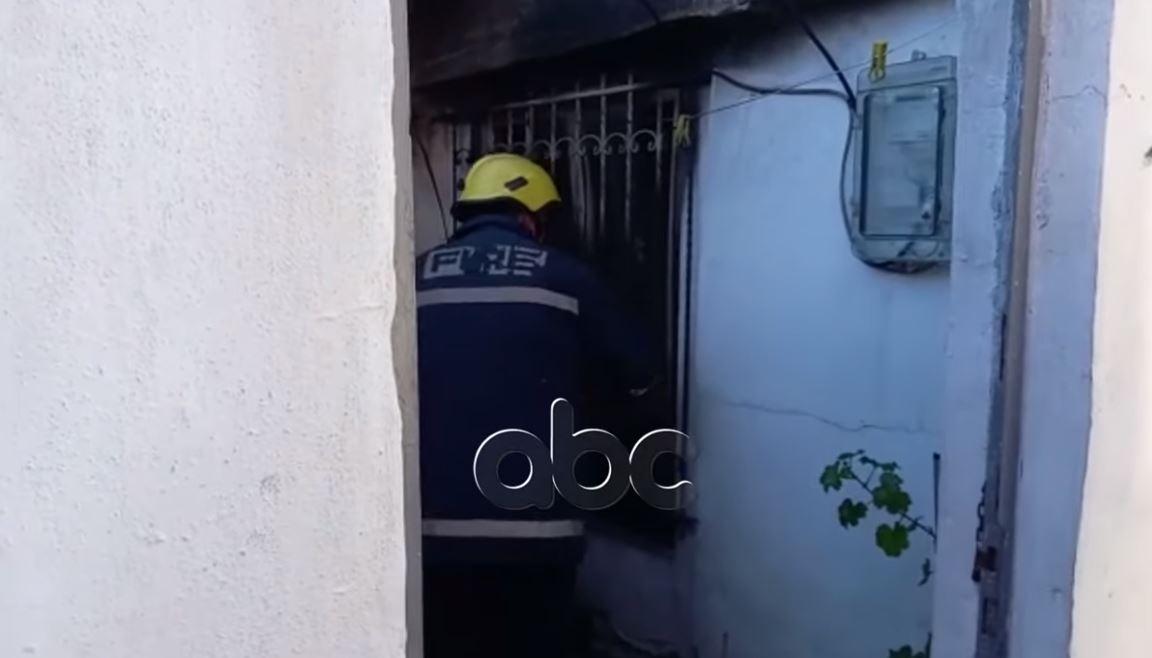 Përfshihet nga zjarri banesa në Fushë-Krujë, fqinjët shpëtojnë të moshuarën