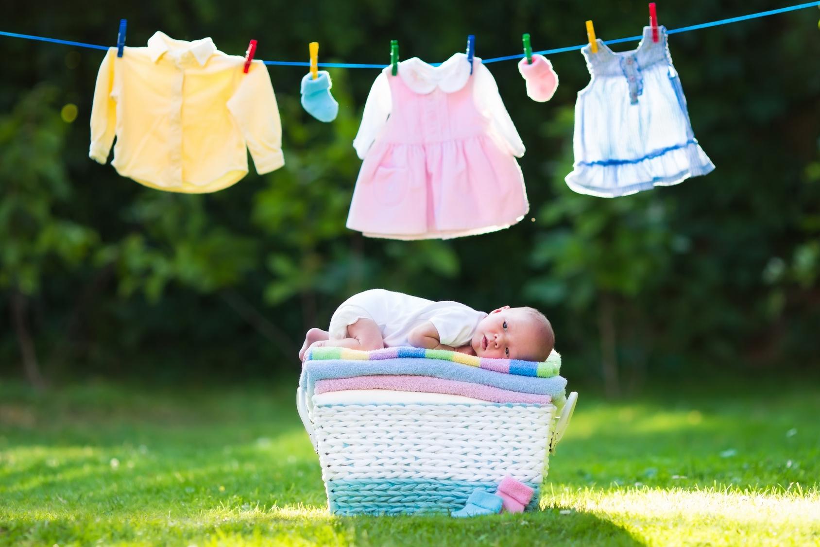 Në çfarë grade lahen rrobat e foshnjave dhe fëmijëve?