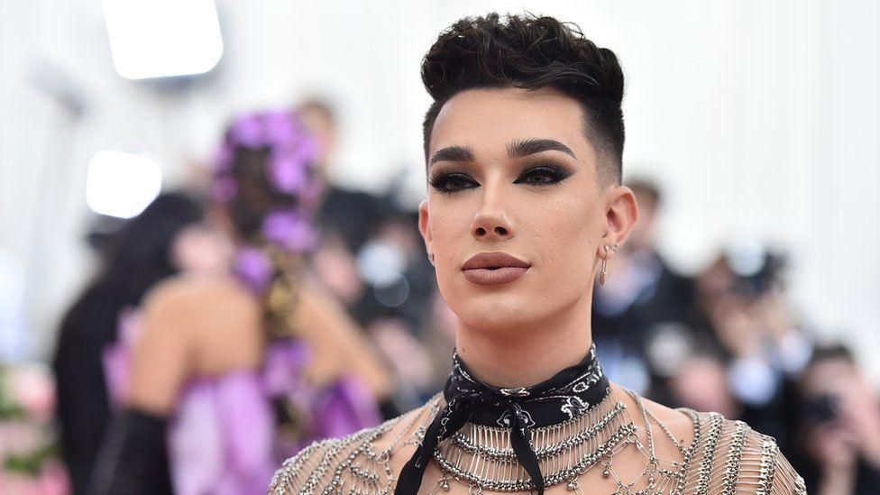 Ngacmoi seksualisht dy adoleshentë, YouTube ndëshkon kanalin e influencerit të bukurisë