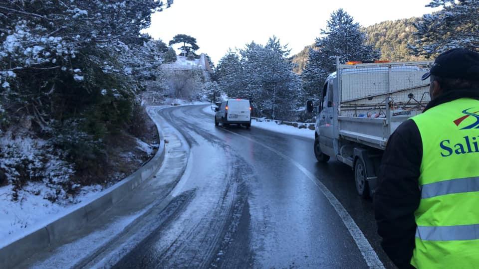 Borë në veri dhe Qafën e Llogarasë, ARRSH informon për situatën në rrugë