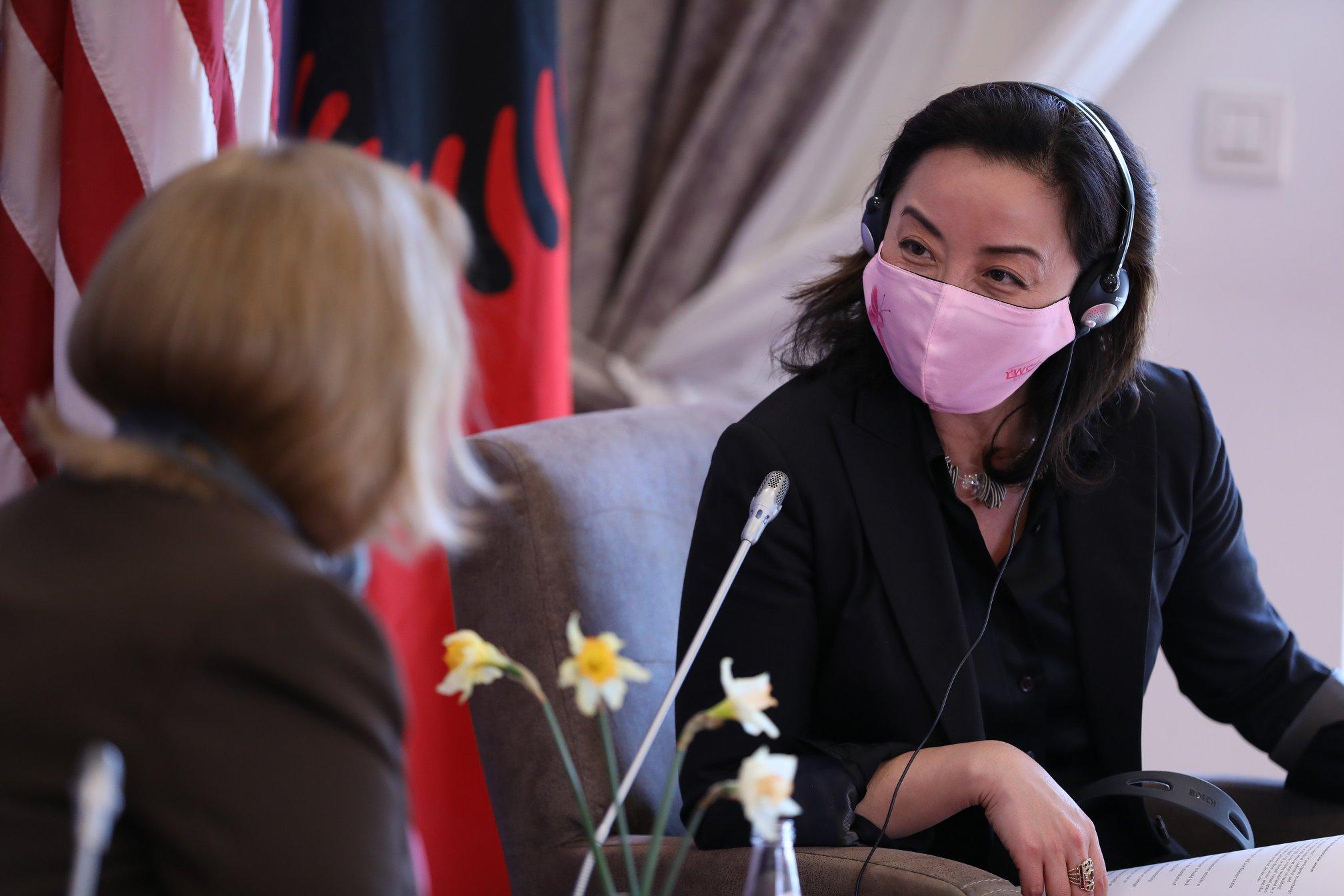 Yuri Kim: SHBA mbështet reformën në drejtësi të Shqipërisë, jemi me ju krah për krah