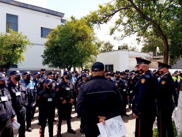 """""""Përfundon dorëzimi te qendrat e votimit"""", Policia: Jemi në ruajtje që prej mbrëmjes së djeshme"""