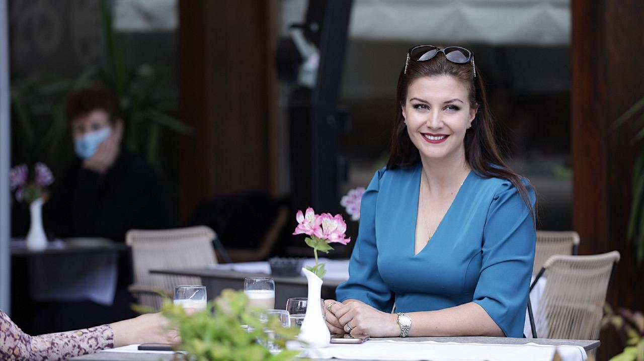 Floriana Garo mesazh zgjedhësve: Votoni me zemër për ndryshimin, për numrin 9!
