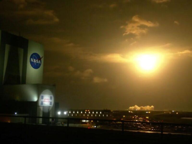 Anija kozmike SpaceX mbërrin me sukses në Stacionin Hapësinor