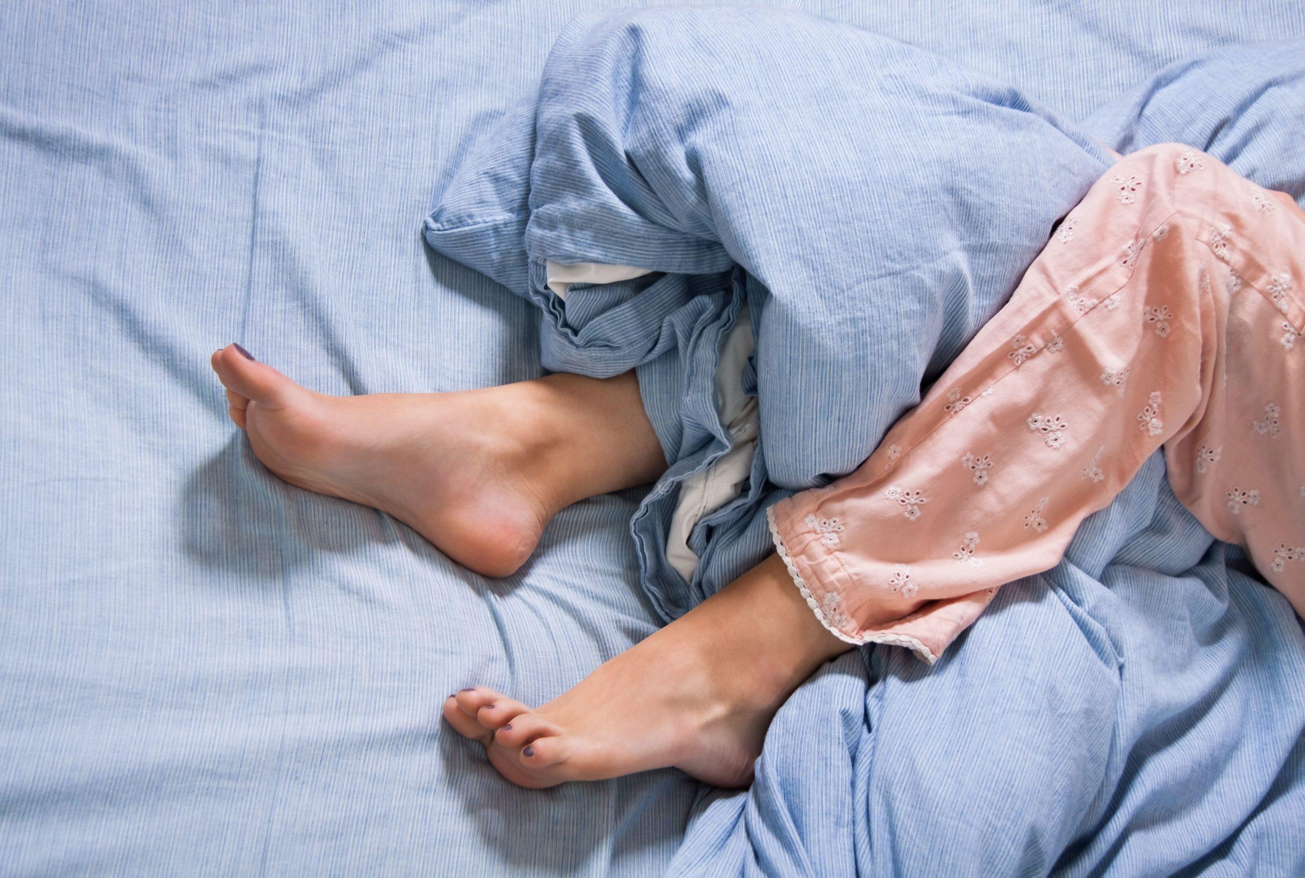 Problemet që do të keni me shëndetin nëse nuk i lani shpesh çarçafët