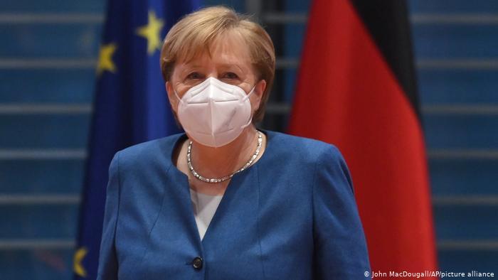 Shifra alarmante të infektuarish, Merkel thirrje qytetarëve: Respektoni masat