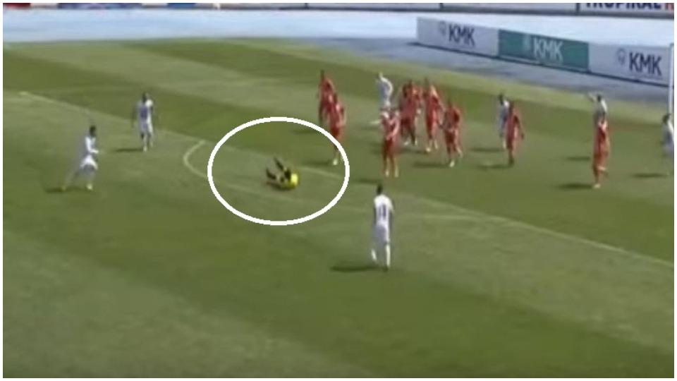 """VIDEO/ Gallatë në Korçë, """"golin"""" e vetëm e shënon arbitri Laver Alla"""