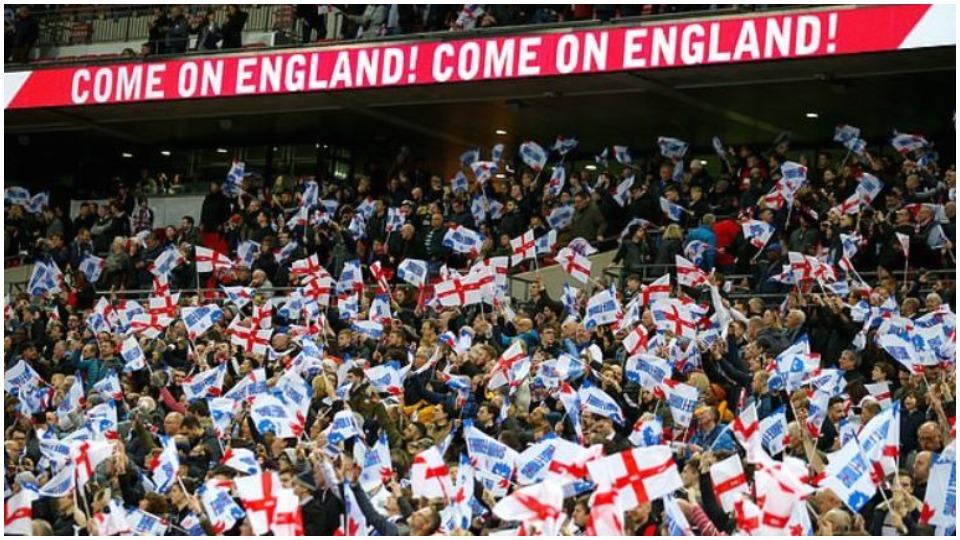Provë normaliteti në Angli, 4 mijë tifozë në gjysmëfinalen e sotme