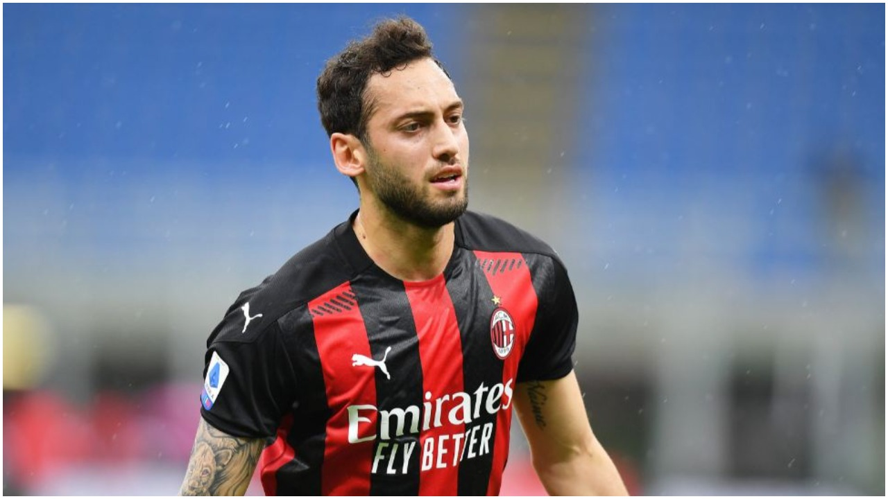 "Juve ""krasit"" Milanin, Raiola ua gjen direkt pasuesin e Calhanoglu"