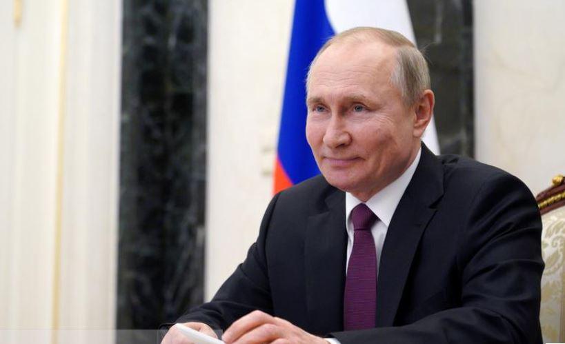 Putin merr dozën e dytë të vaksinës ruse kundër Covid