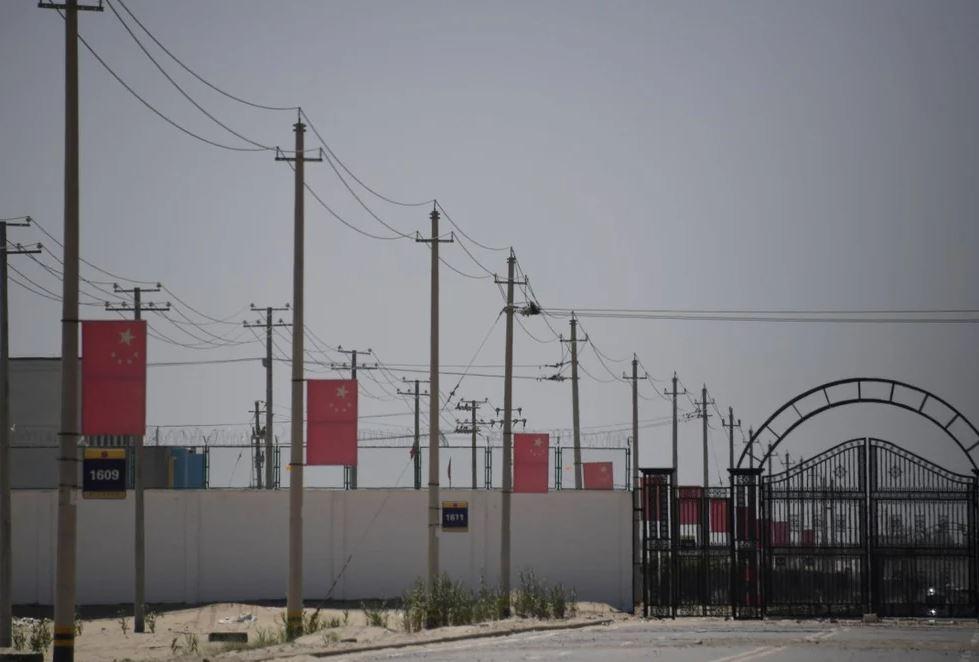 Kina mohon akuzat për gjenocid në Xinjiang