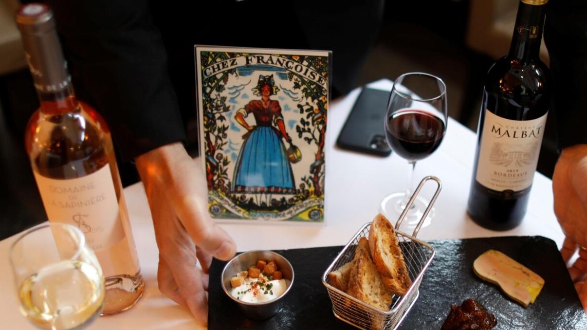 Franca po heton ministrat që akuzohen se kanë darkuar në restorante sekrete