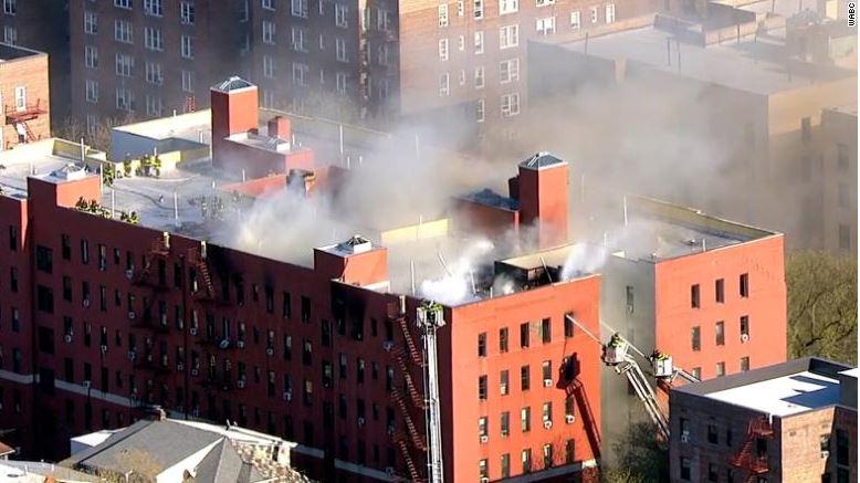 Zjarr në një bllok apartamentesh në New York, 21 të lënduar