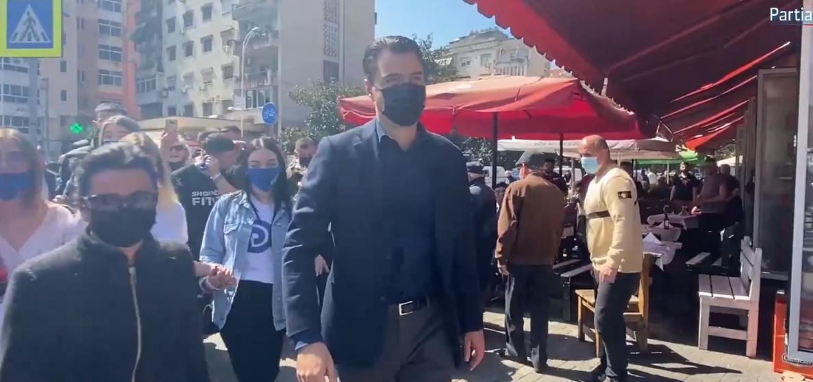 Basha takon qytetarët në Tiranë: Votoni nr. 9, e bënë me hile për votën e emigrantëve, do e bëj realitet