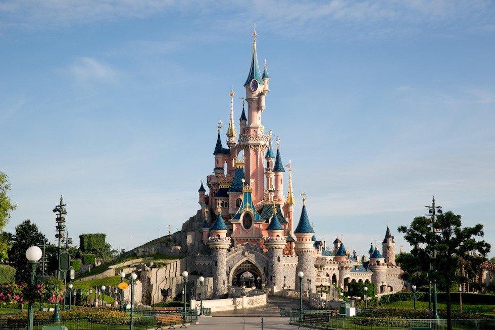 Disneyland Paris kthehet në një qendër të madhe vaksinimi