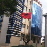 Plagosja e 33-vjeçarit në Fier, arrestohen 3 autorët, në kërkim bashkëpunëtori