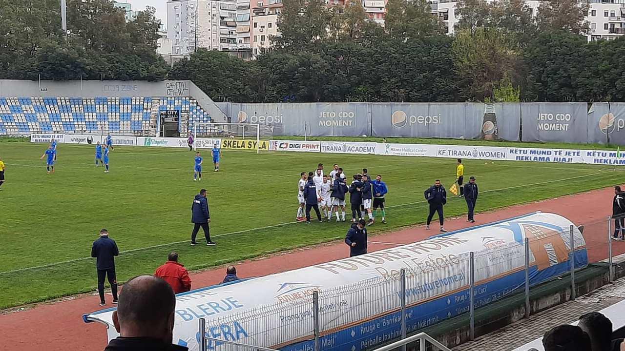 VIDEO/ Korabi shtang Burrelin në shtëpi, Dinamo rimerr vendin e parë