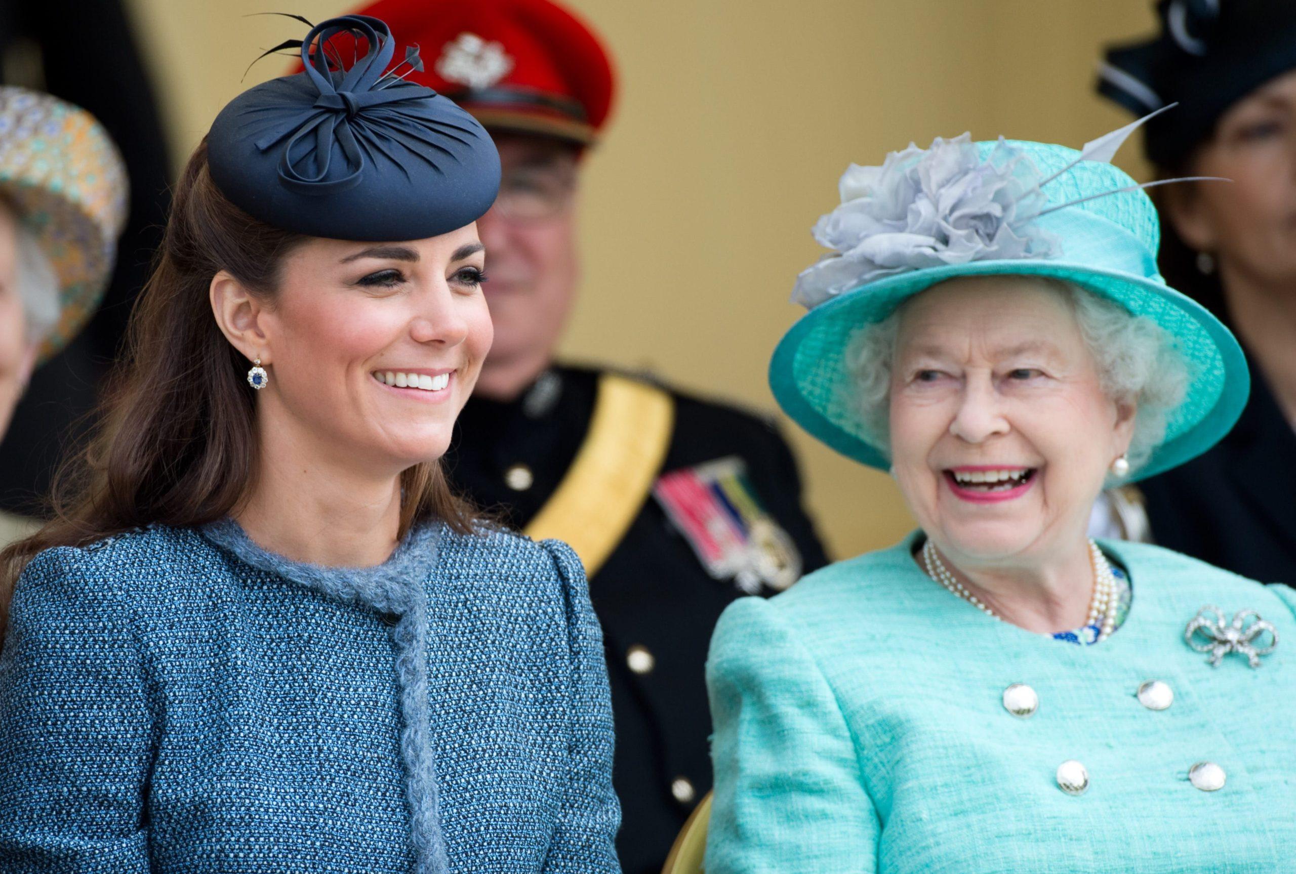 Askush s'e vuri re, si u nderua Mbretëresha nga Kate Middleton në 95 vjetorin e lindjes