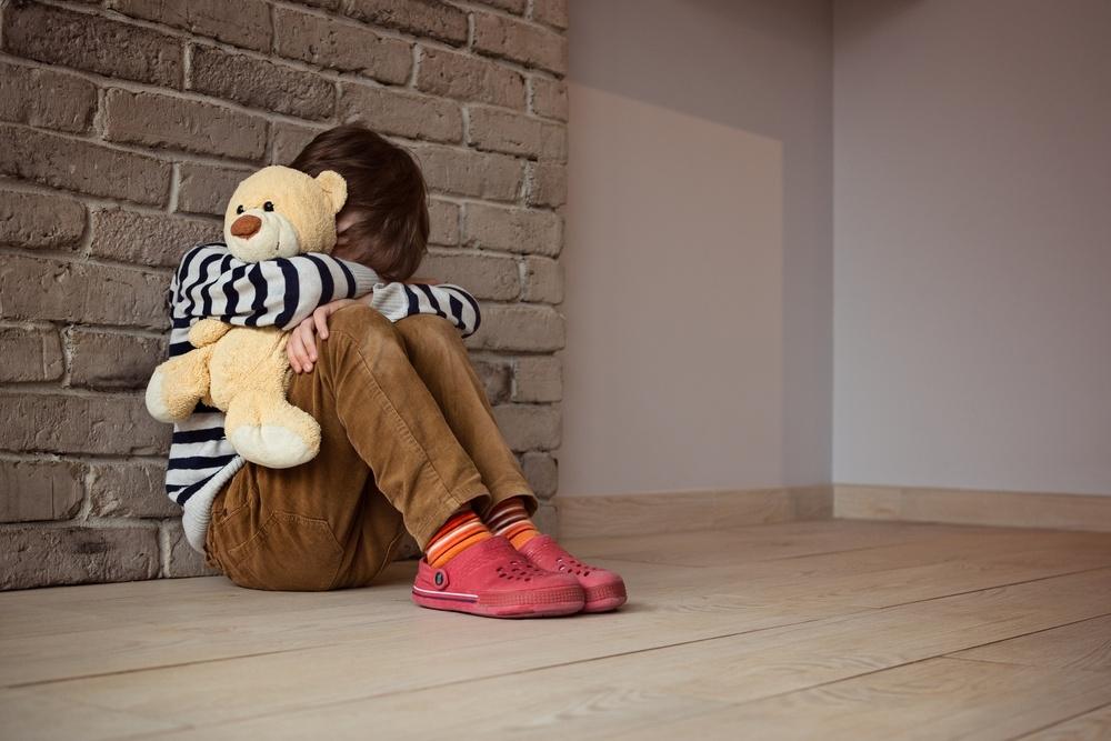 Studimi i Harvardit: Shuplakat mund të ndikojnë në zhvillimin e trurit të fëmijës