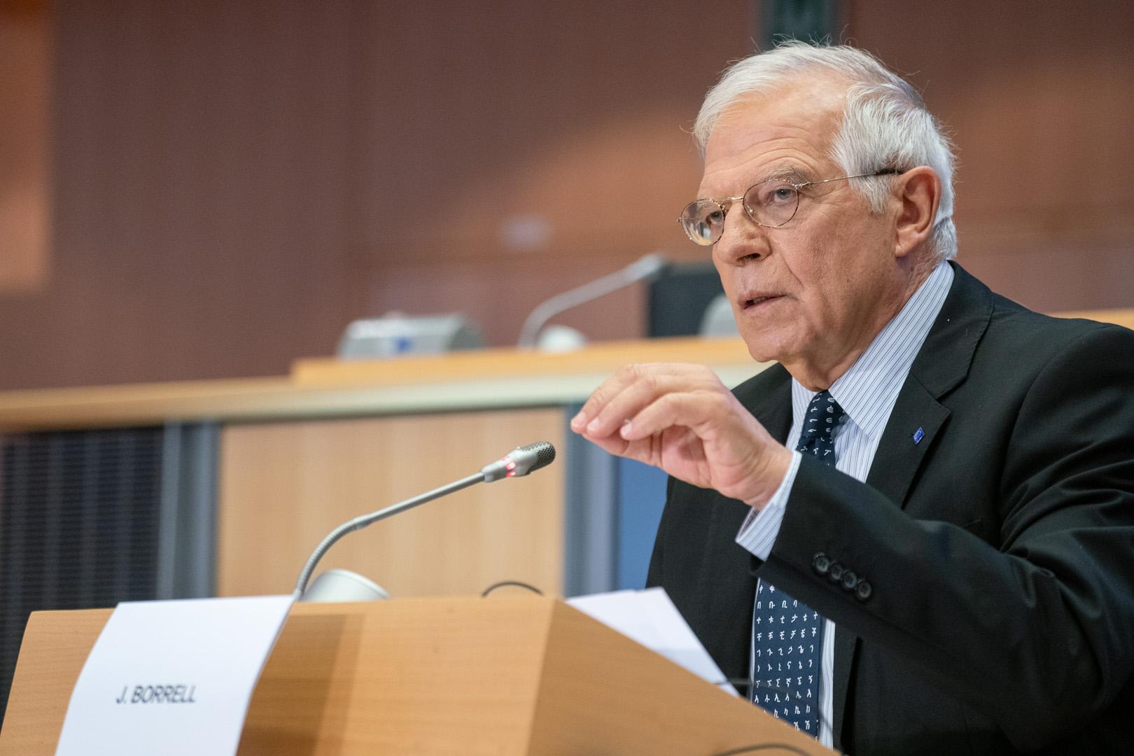Ndryshim i kufijve në Ballkan? Borrel: Vuçiç: Jam pro çdo debati! S'e kam parë dokumentin