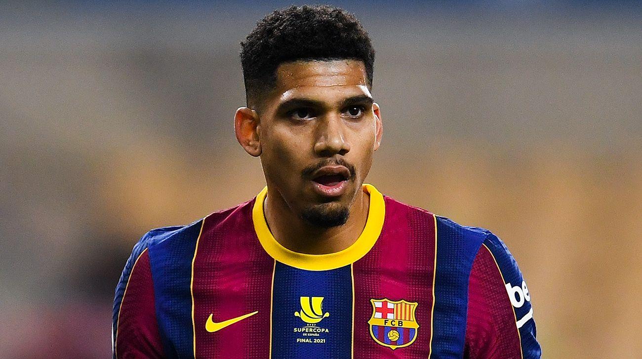 """""""Më dukej sikur topi ecte me 200 km/orë"""", Araujo tregon vështirësitë në Barcelonë"""