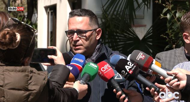 Arrestimi i tre kontrollorëve, avokati: I paligjshëm, çështja është kthyer në politike