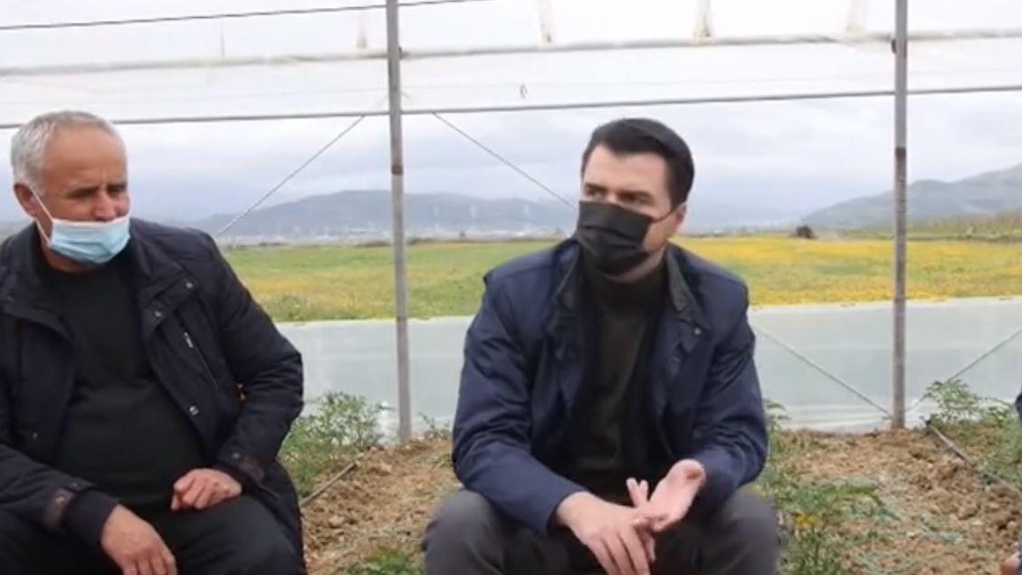 Basha takim me fermerët në Cërrik: Do të heqim burokracitë
