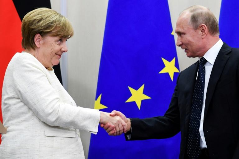 Merkel dhe Putin diskutojnë për tensionet në Ukrainë