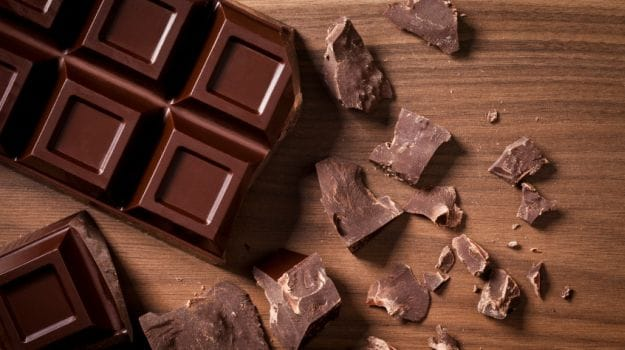 Përfitimet që merrni nga ngrënia e çokollatës