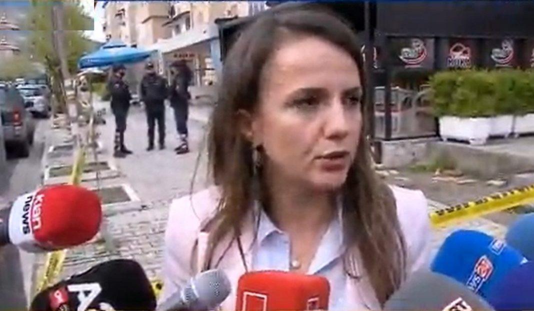 """Tentoi të futet brenda """"skenës së krimit"""", policia s'e lejon, Hajdari: Vrasja në Elbasan politike"""