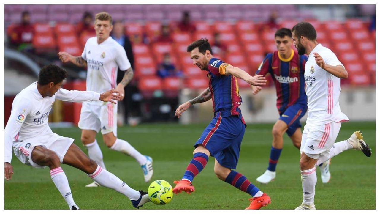 Mbrëmja e gjitha për El Clasicon, si pritet të rreshtohen Reali e Barcelona