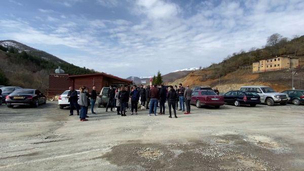 Protesta kundër HEC-it, banorët bllokojnë Rrugën e Kombit dhe përplasen me policinë