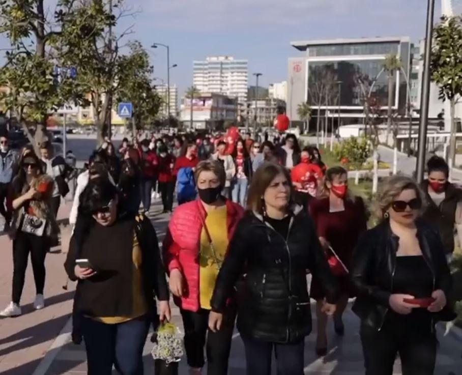 Gratë mbushin rrugët, Kryemadhi: LSI është forcë e parë në Fier