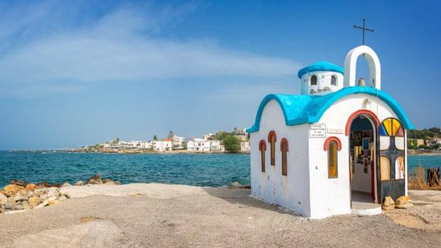 Greqia planifikon të heqë karantinën për udhëtarët nga vendet e BE-së