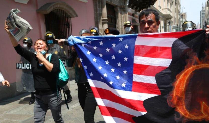 FBI e shqetësuar nga potenciali për dhunë i grupit të së djathtës së largët QAnon
