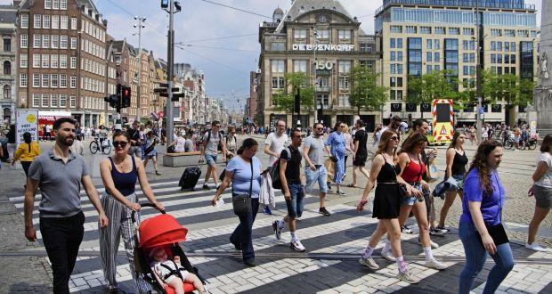 Infektimet nuk ulen, por qeveria holandeze është e gatshme të rihapë vendin