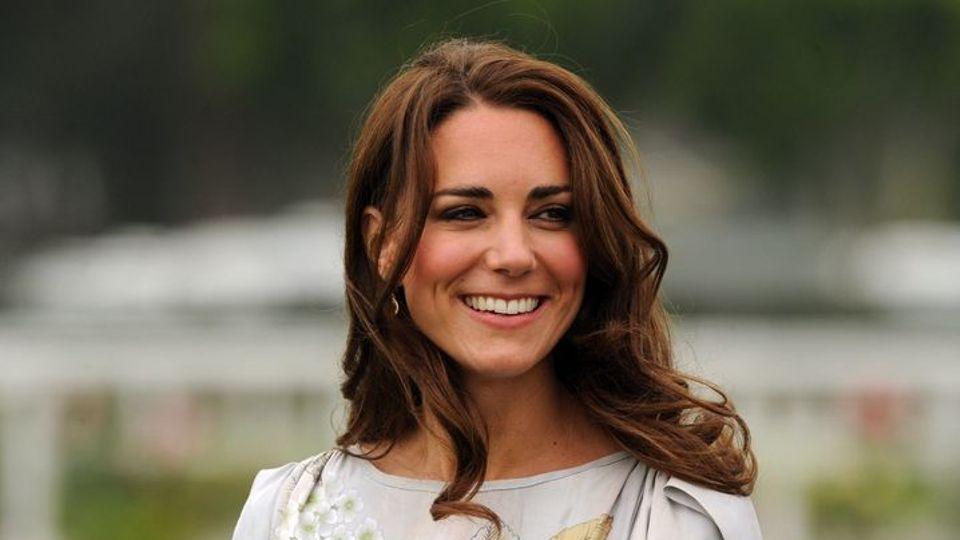 A duhet të jetë Kate Middleton mbretëresha e ardhshme?
