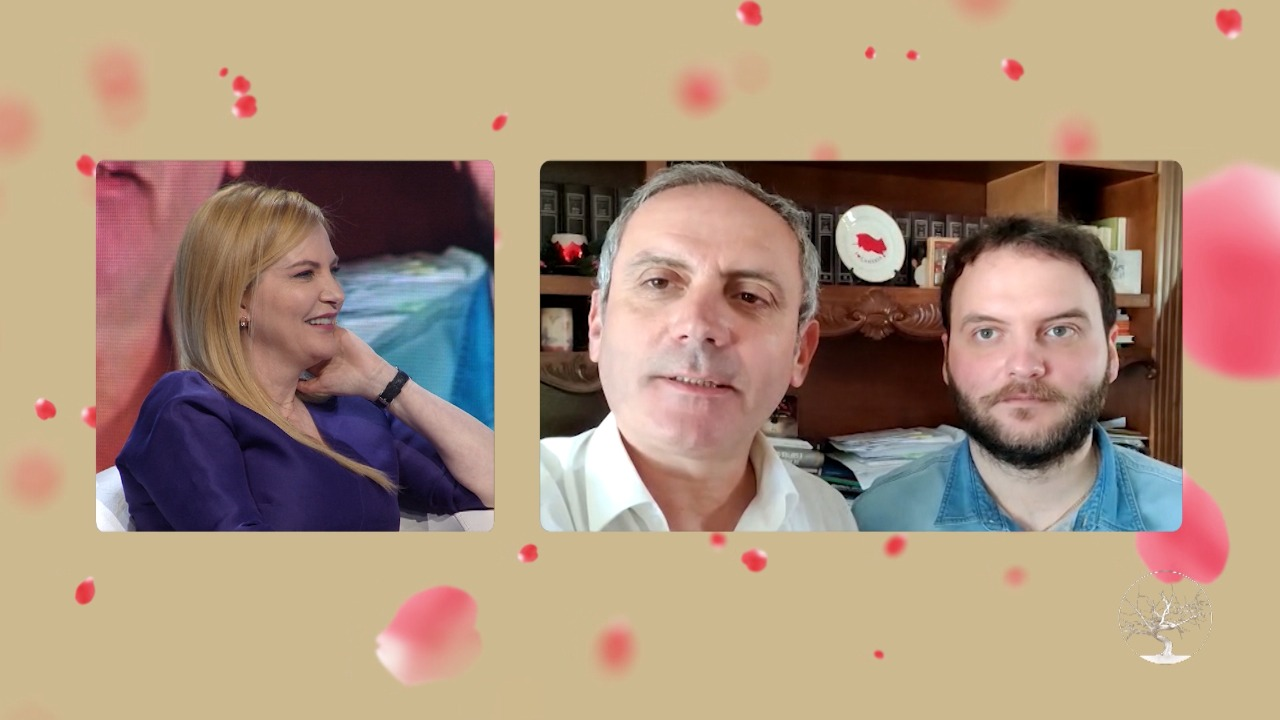 """""""30 vjet që rrugëtoj me të, është shoqja ime më e mirë"""", Enkel Demi dhe djali japin mesazhin emocionues për Mesila Dodën"""