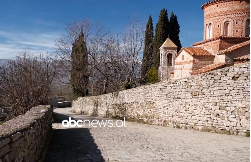 Kisha e Labovës së kryqit pa kryq, banorët: I përket periudhës së mesjetës institucionet të marrin masa