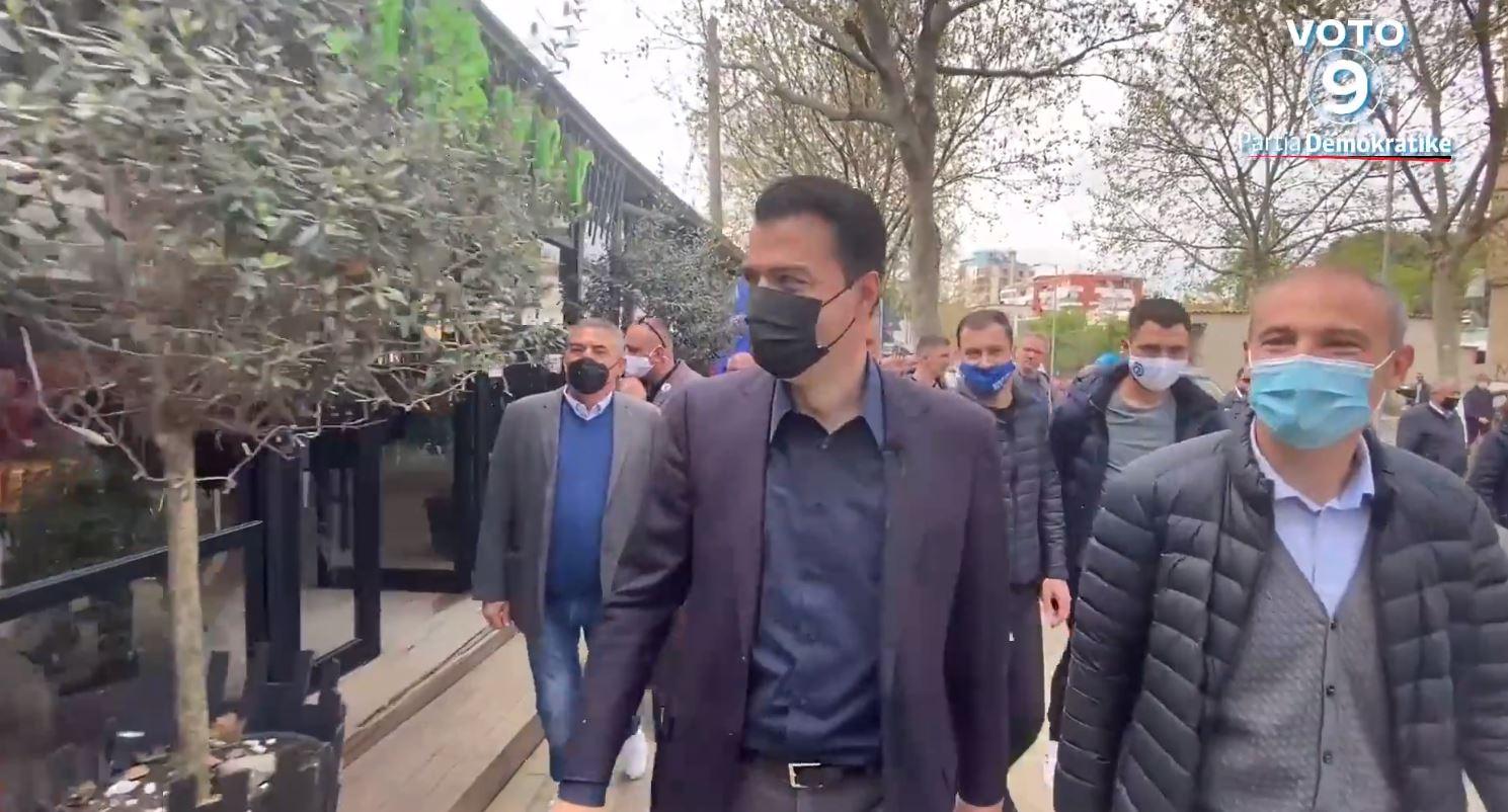 Basha takime me qytetarët në Tiranë: Të gjithë bashkë të sjellim ndryshimin