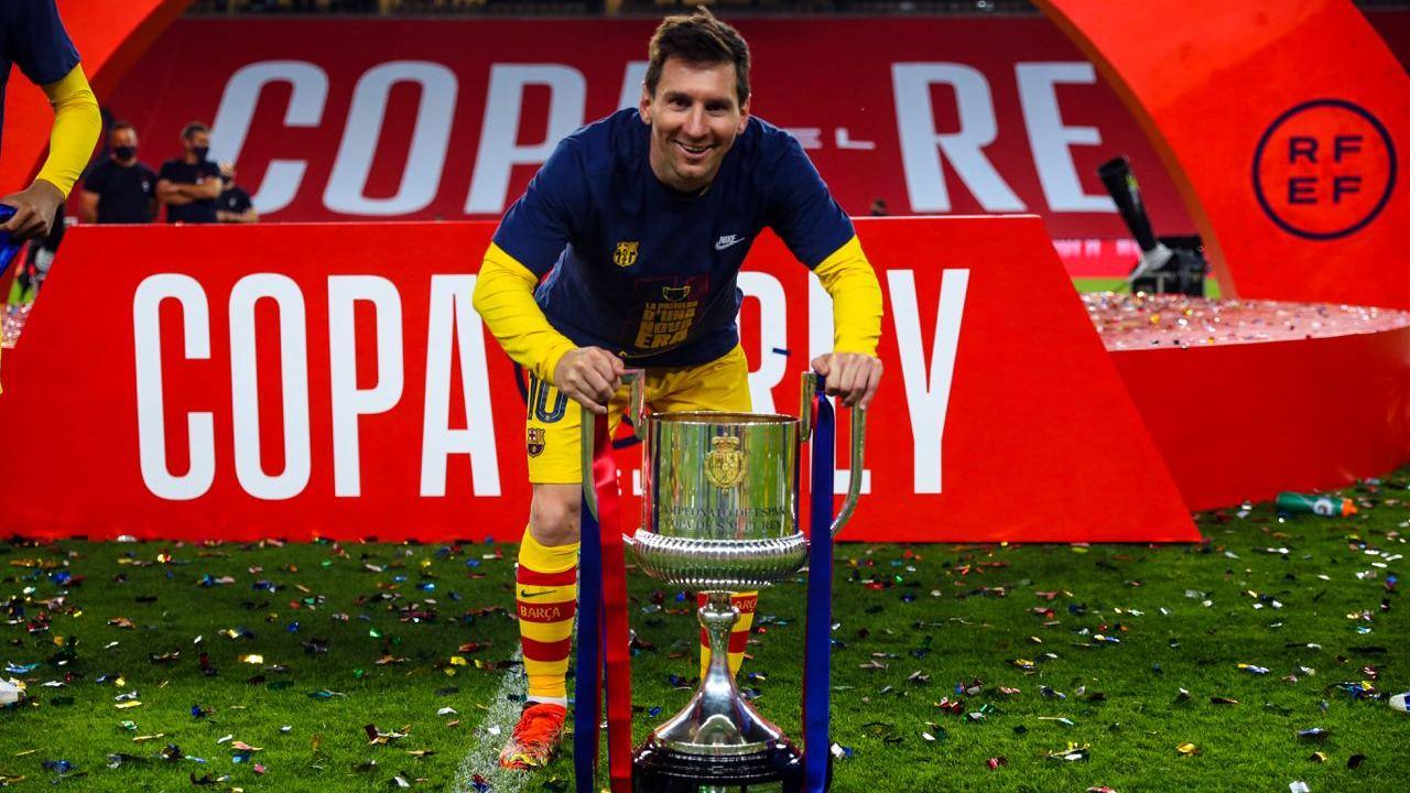 Ulje page dhe një dekadë kontratë, vazhdon martesa Messi-Barcelona