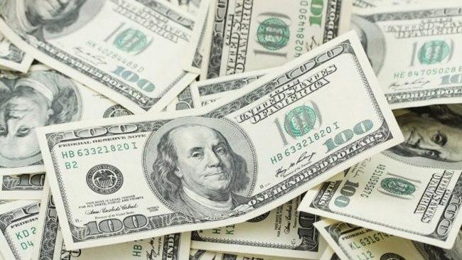 E lodhur nga humbja, gruaja blen biletën e saj 'të fundit' të lotarisë, fiton $ 100,000