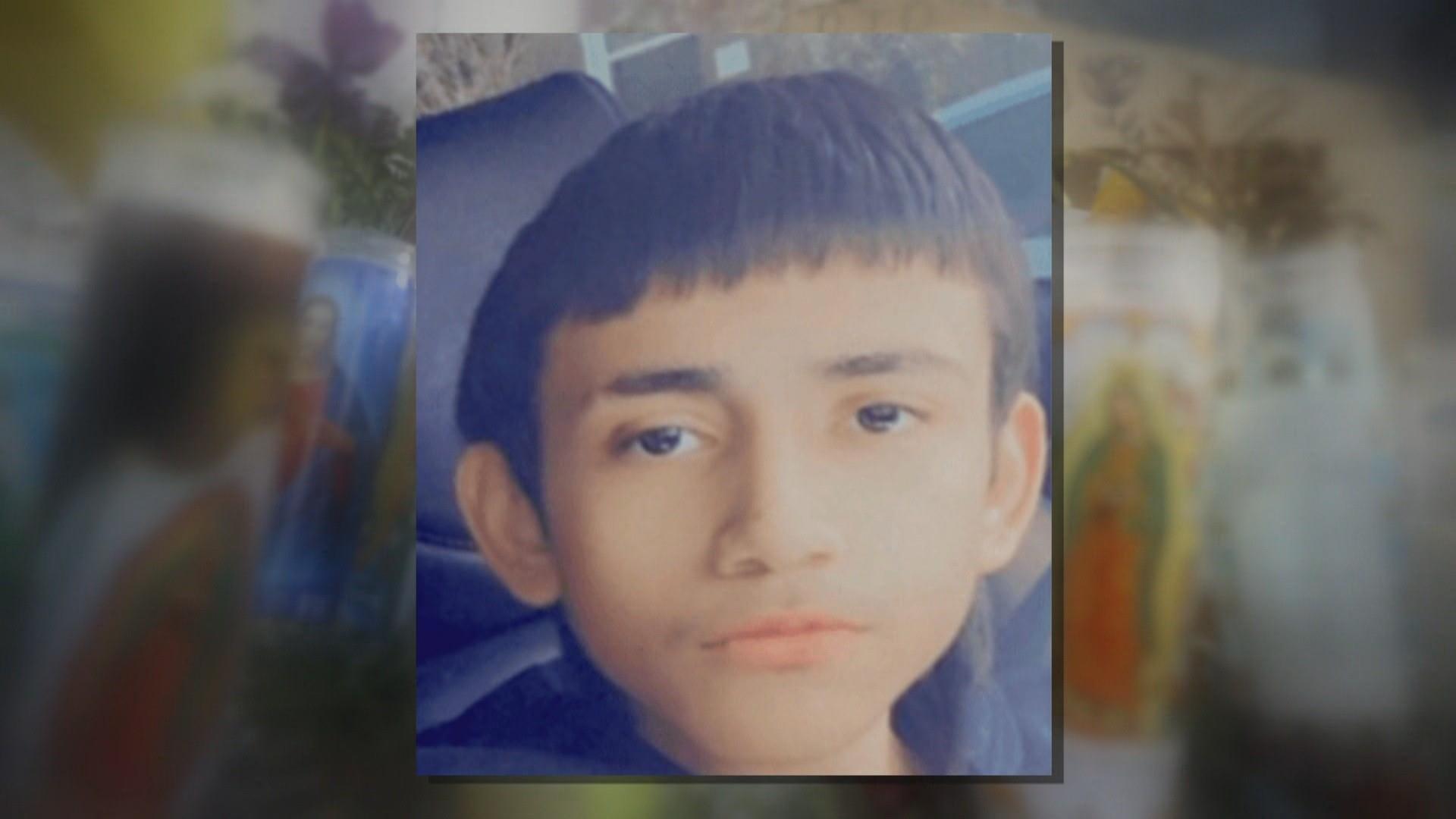 Policia e Çikagos publikon pamjet kur oficeri qëllon për vdekje një 13-vjeçar