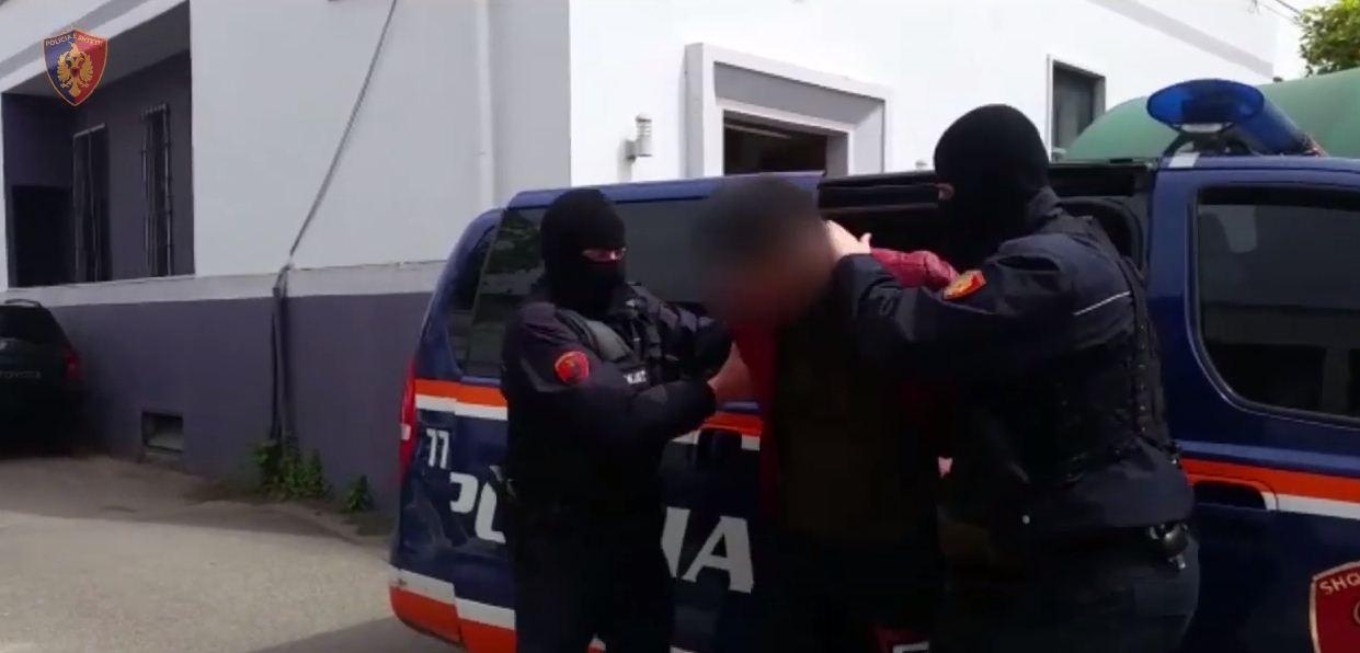 Dyshohet të ketë abuzuar seksualisht me një të mitur, arrestohet 31-vjeçari në Sarandë